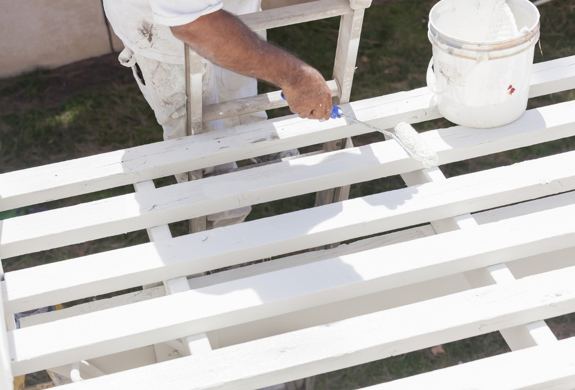 painting-the-fence-white